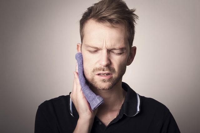 Quels remèdes naturels pour remédier à une rage de dents ?