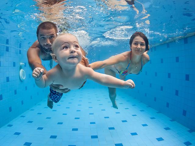Tout apprendre sur la baignade avec bébé